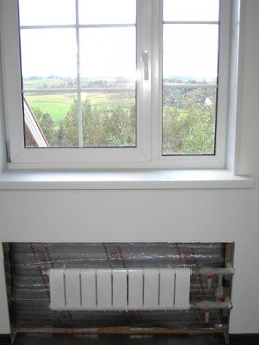 Установка батарей / радиаторов отопления в загородном доме
